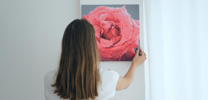 Een waardevol schilderij ophangen (met of zonder boren)