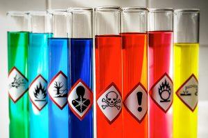 Schilderijen schoonmaken: deze middelen zijn schadelijk voor het schilderij